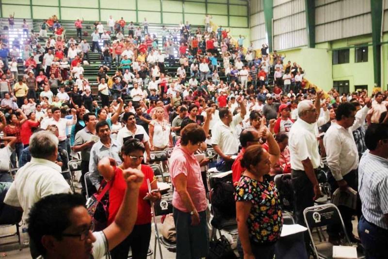 """Pretenden """"Los pozoleros"""" boicotear regularización de maestros"""