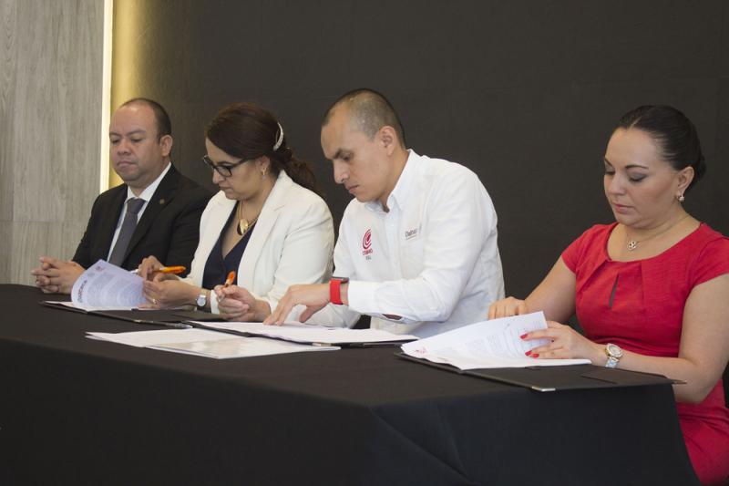 Firman convenio por una educación superior de calidad y excelencia UAO y COBAO