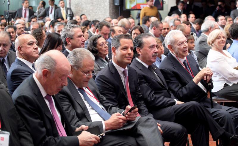 Asiste Murat a 114 Sesión Ordinaria de la Asamblea General del Infonavit