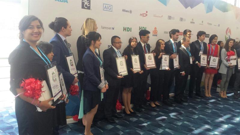 Destaca estudiante oaxaqueña de mercadotecnia en concurso nacional de seguros