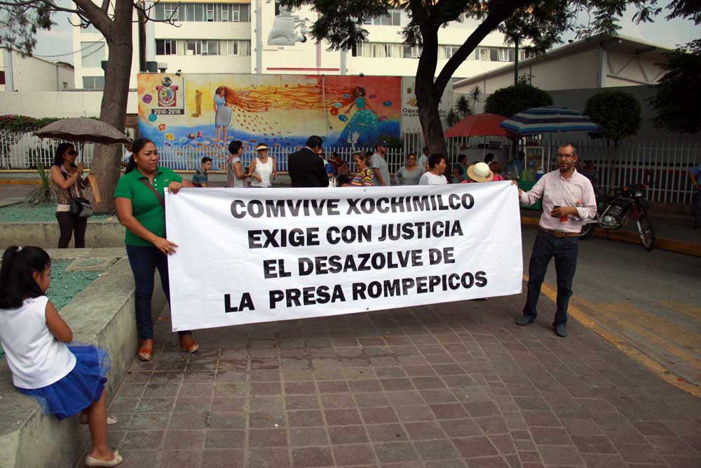 protesta_presarompepicos_1