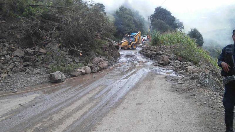 Lluvias y fallas geológicas afectan carretera Huajuapan – Juxtlahuaca