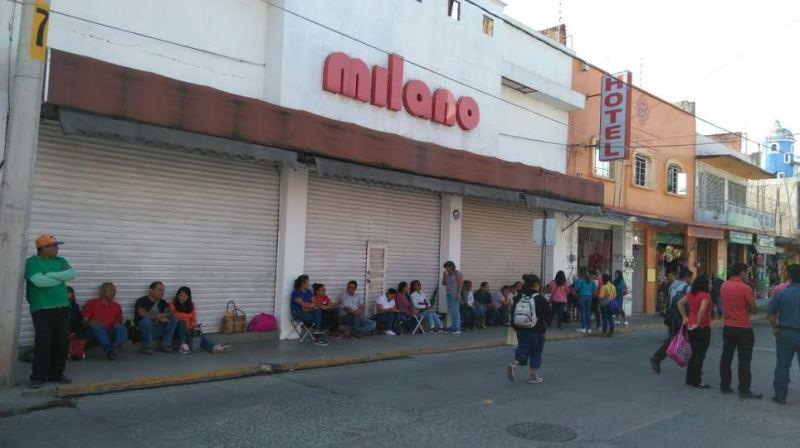 Trabajadores de la educación paralizaron acción comercial en Huajuapan