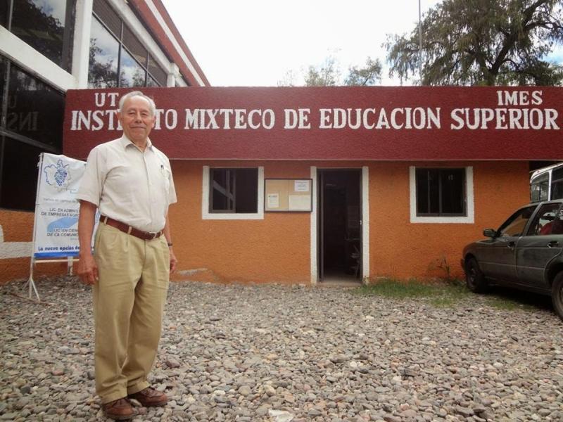 Impulsan profesionalismo en universidad de Tezoatlán