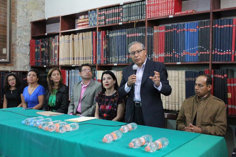 """Designan a nuevo titular de la Hemeroteca Pública de Oaxaca """"Néstor Sánchez"""""""