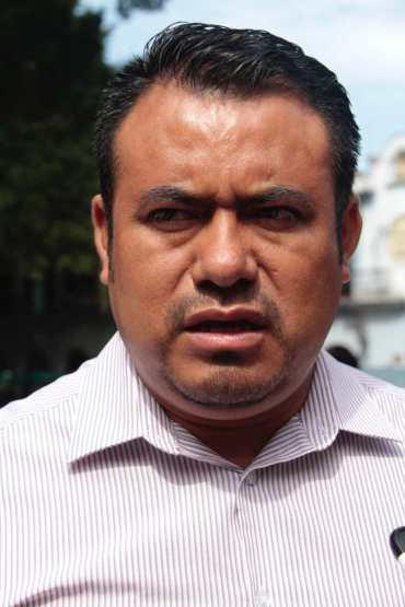 En Cuicatlán, cuestionan a Sección 22 por tolerar 'aviadores' en la gremial