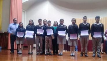 Destacan alumnos de Tecomaxtlahuaca en concurso de matemáticas