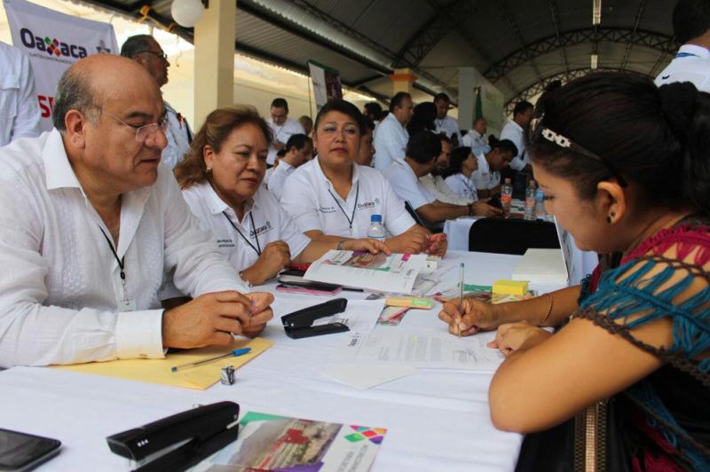 Secretaría de Administración acredita a nuevos proveedores del Gobierno del Estado