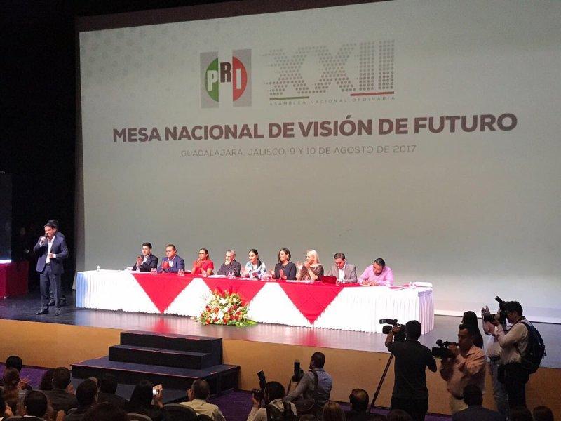 Aplicarán descuentos a funcionarios de Oaxaca que pidieron permiso para asistir a evento político