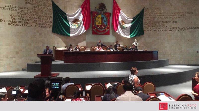 Rehuyen cinco diputados a la eliminación del fuero en Oaxaca