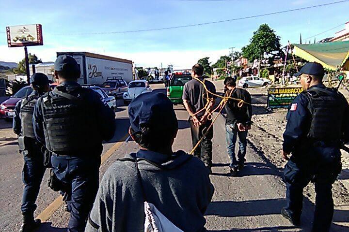Liberan a presuntos delincuentes exhibidos en Santa Teresa