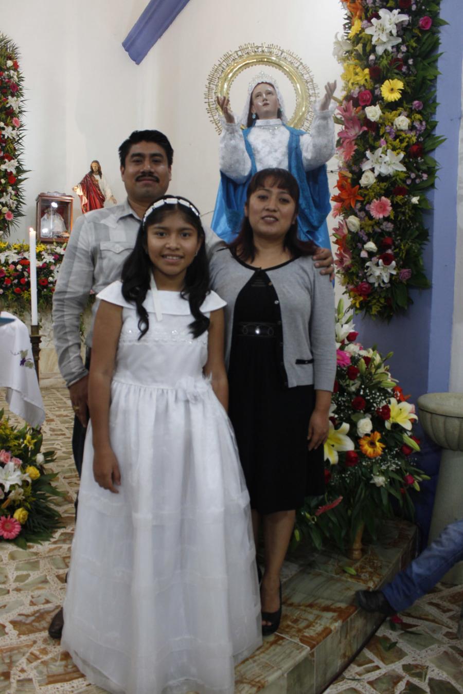 En la Asunción Etla, niños y niñas recibieron la Primera Comunión