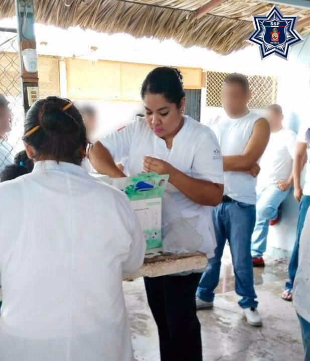 Beneficia brigada de salud a internos del Cereso en Tehuantepec