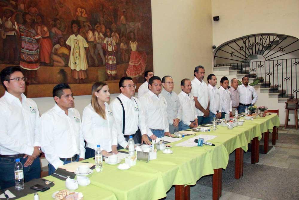 Presentó CADCO una iniciativa para reformar la ley de obras públicas