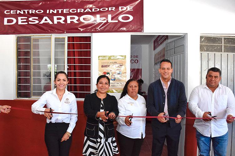 Abre puertas Centro Integrador de Desarrollo en Viguera