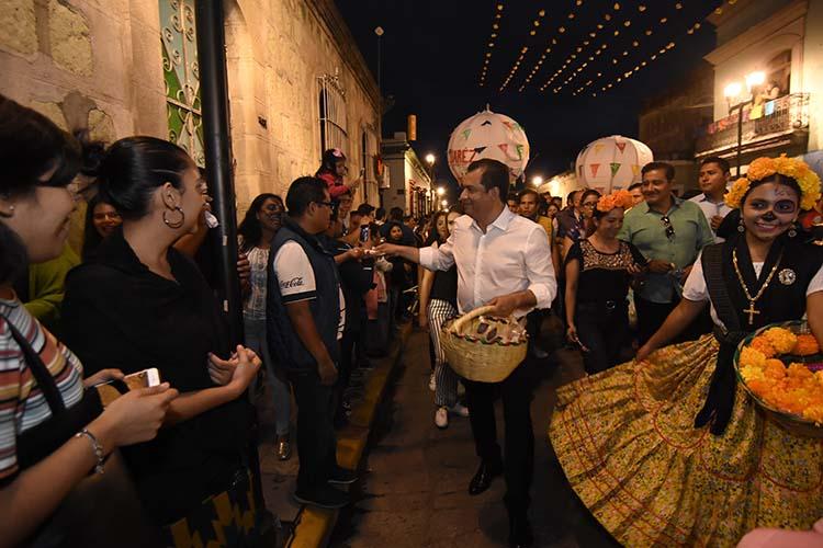 OsWaldo garcía Jarquín en la Gran Comparsa de Oaxaca de Juárez