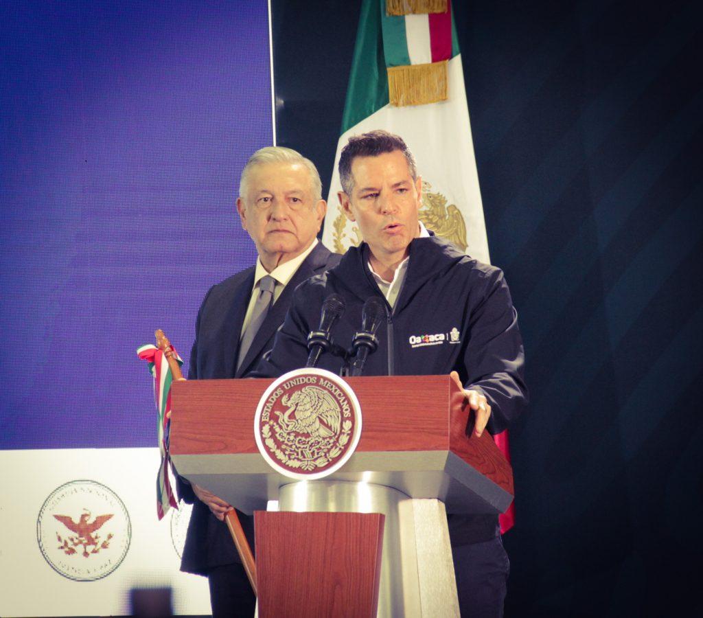 Alejandro Murat en la conferencia mañanera de AMLO 19 de octubre en Oaxaca