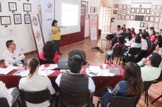 El Instituto Municipal de la Mujer de Oaxaca de Juárez realizó mesas de trabajo para generar nuevas acciones y estrategias para atender la alerta de género.