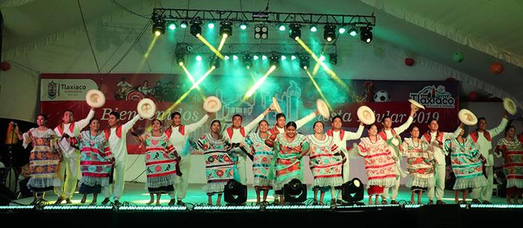 Festejan con Guelaguetza aniversario 135 de elevación de Tlaxiaco a Ciudad