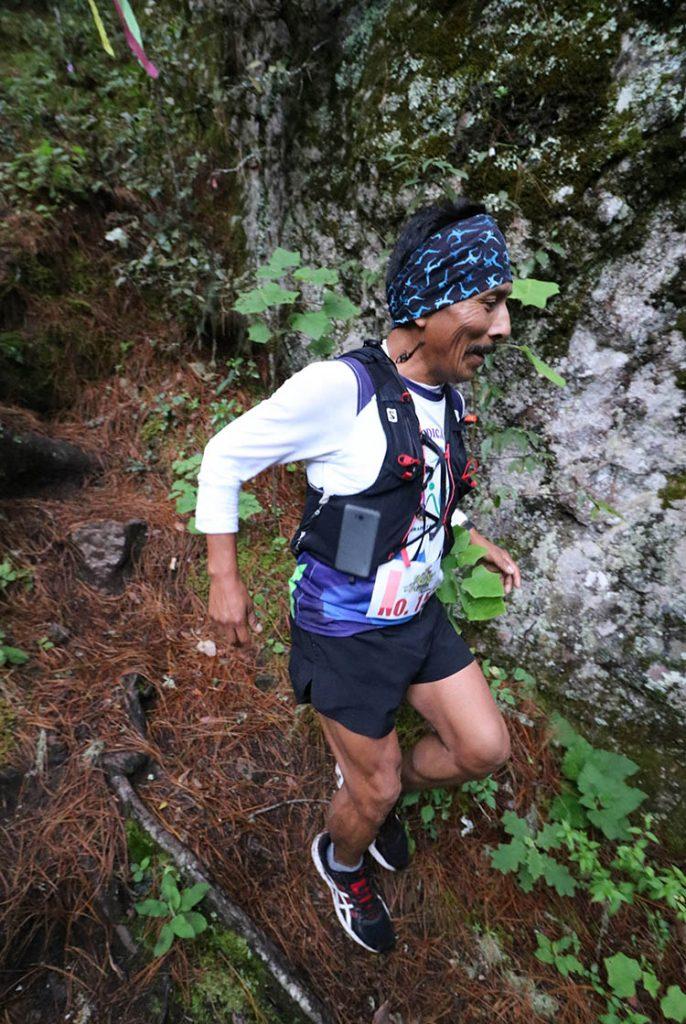 "Compiten en el l Primer Ultra Trail ""Deportes Hugo Ixcotel"". Foto de Territorio Score."