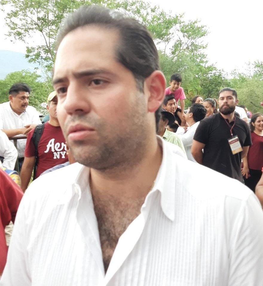 Raúl Bolaños Cacho Cué en la visita de AMLO a Cuicatlán, Oaxaca