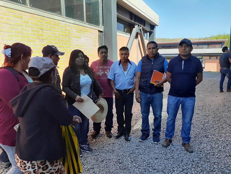 Protestan habitantes de fraccionamiento La Esperanza en Centro de Justicia - Diario Marca de Oaxaca