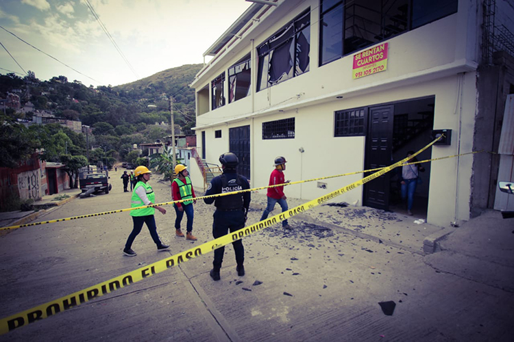 La explosión de una panadería en Oaxaca dejó daños en un diámetro de 100 metros