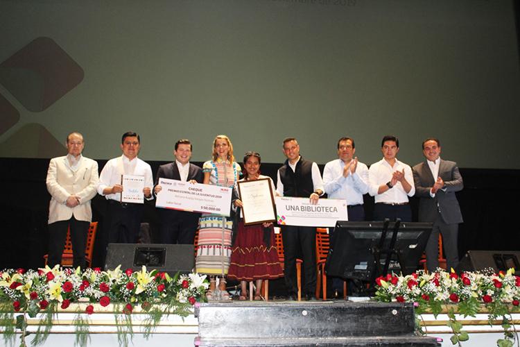 Entrega Murat el Premio Estatal de la Juventud 2019