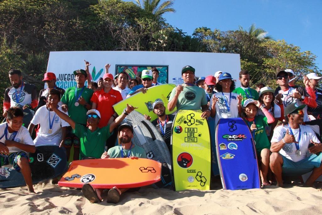 Ganadores de las competencias en Zipolite de los Juegos Nacionales de Surf Oaxaca 2019
