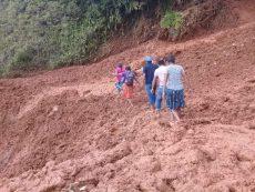 Lluvias en la Cuenca afectan caminos