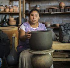 Nacer del barro lo más sagrado que existe: Rufina Ruiz