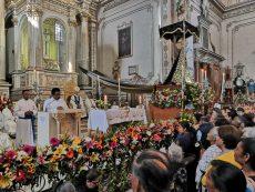 Honran a la Virgen de la Soledad, patrona de los oaxaqueños