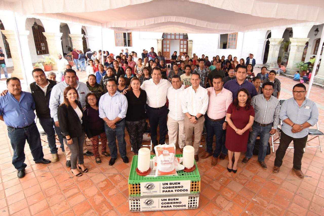 Entregan paquetes avícolas para promover autosuficiencia alimentaria en la Verde Antequera