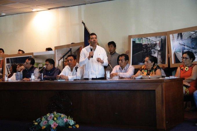 Entrega Eduardo Bautista propuesta de Presupuesto 2020 para la UABJO
