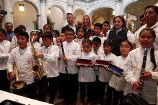 Restituyen instrumentos a niños músicos de Ayutla, Mixe