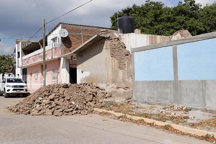 Atienden afectaciones por sismo en Comitancillo