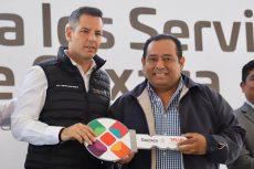 Fortalece Murat los servicios de salud en Oaxaca