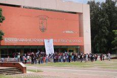 Sin clases más de 25 mil por lío sindical en la UABJO