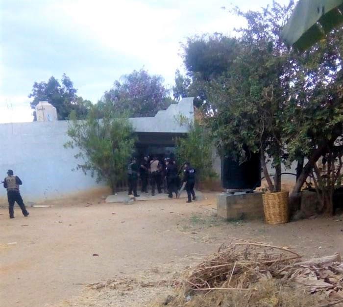 En cateo aseguran drogas y armas en Tlapacoyan
