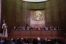 Reitera Murat compromiso para hacer cumplir la Constitución de México