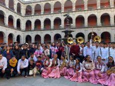 Entregan instrumentos a músicos indígenas oaxaqueños