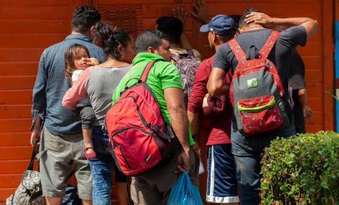 Vinculan a proceso a 3 personas por transportar migrantes