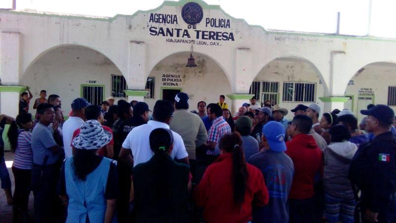 Renuncia al cargo Agente Municipal de Santa Teresa