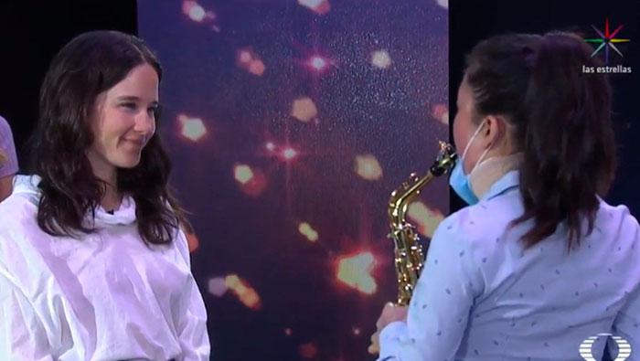María Elena y su saxofón se hicieron escuchar