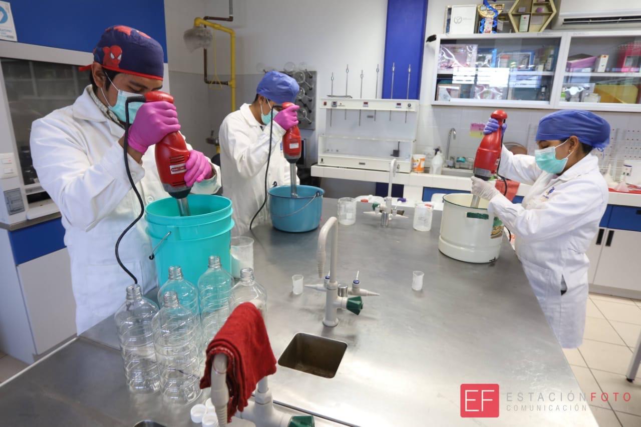 Elaboran gel antibacterial en Facultad de Ciencias Químicas de la UABJO