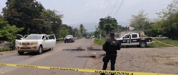 Abaten policías a 6 presuntos delincuentes en Acatlán de Pérez Figueroa