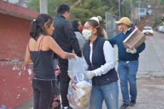 Entregan apoyos alimenticios en Santa Rosa Panzacola