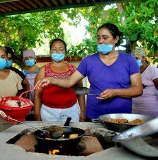 En marcha, cocinas comunitarias en apoyo a población vulnerable