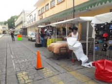 Ambulantes omiten medidas y regresan a las calles de Oaxaca