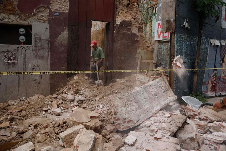 Deja sismo 41 inmuebles dañados en la capital